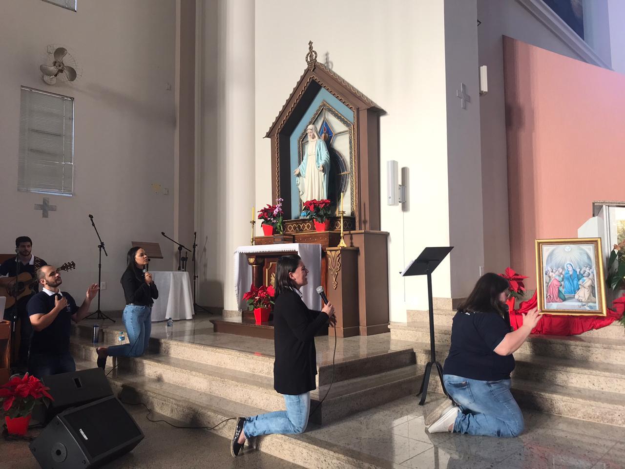 Thais Furquim, presidente do conselho da RCC Arquidiocese de Florianópolis encerrou o Cenáculo de Pentecostes online
